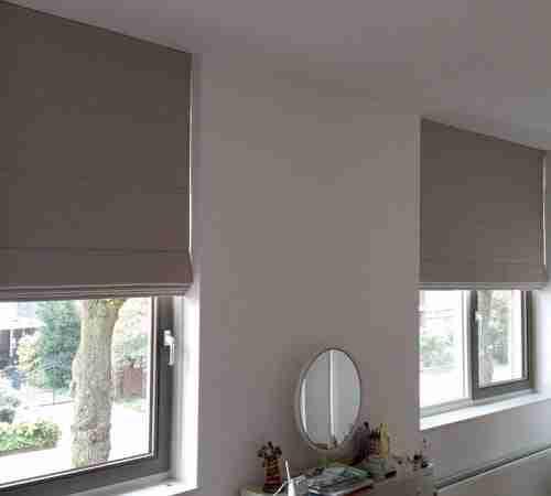 Blinddesign is de specialist in verduisterende for Raamdecoratie slaapkamer verduisterend
